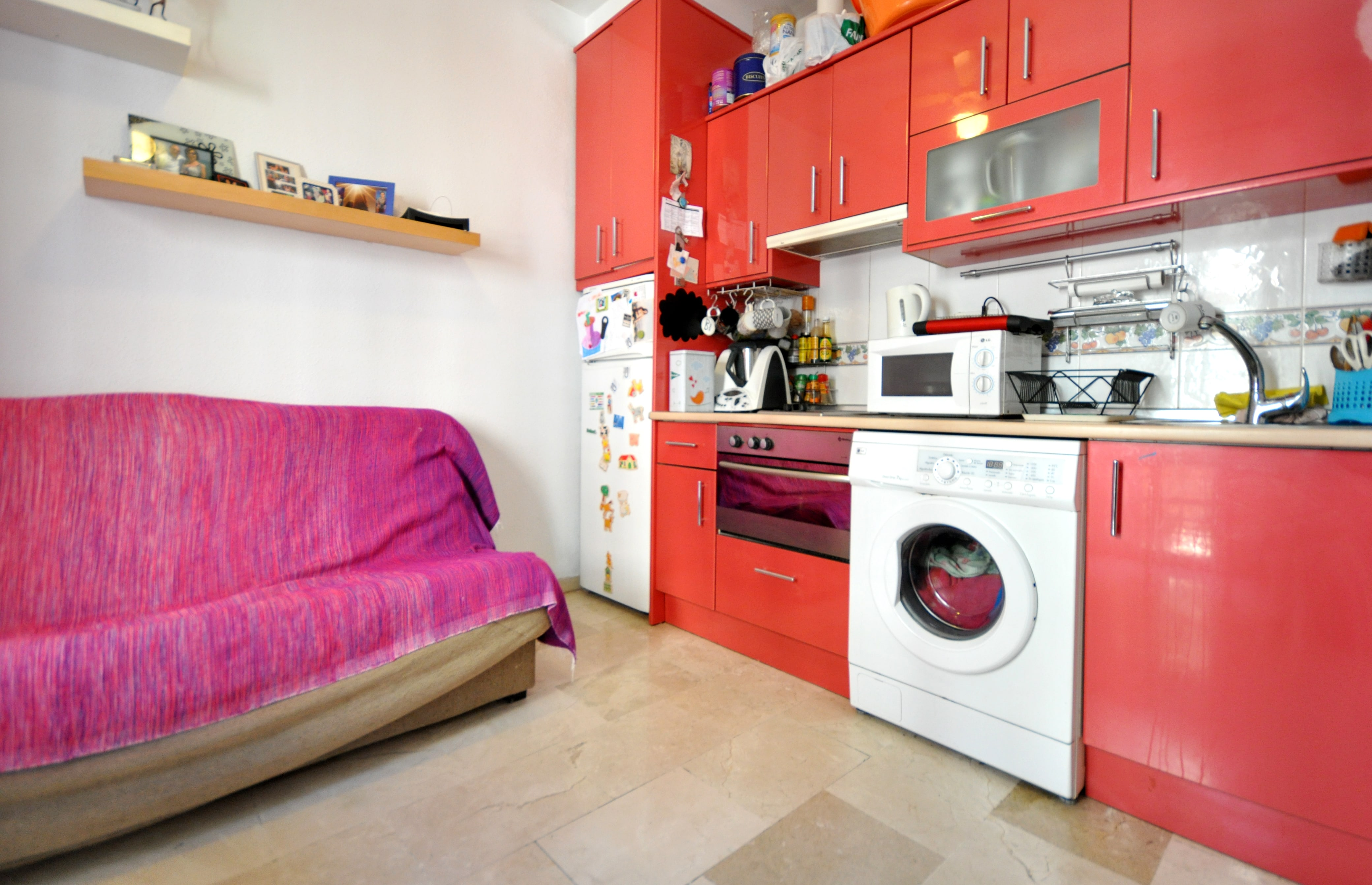 Comprar vivienda en malaga agencia paco en castrillon for Agencias de alquiler de pisos