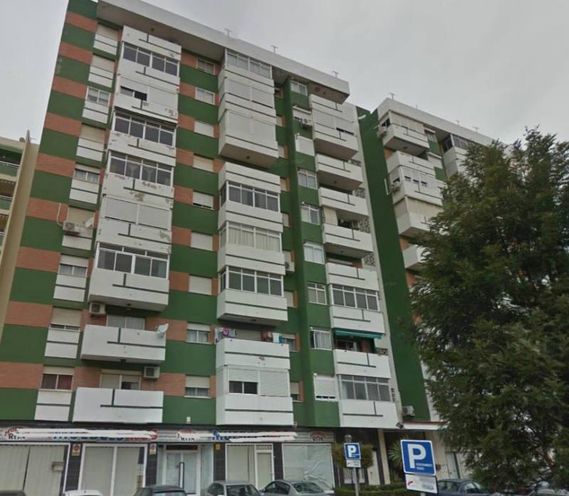 Piso en venta 3 dormitorios torre el mar m laga unicasa for Busco piso alquiler barcelona